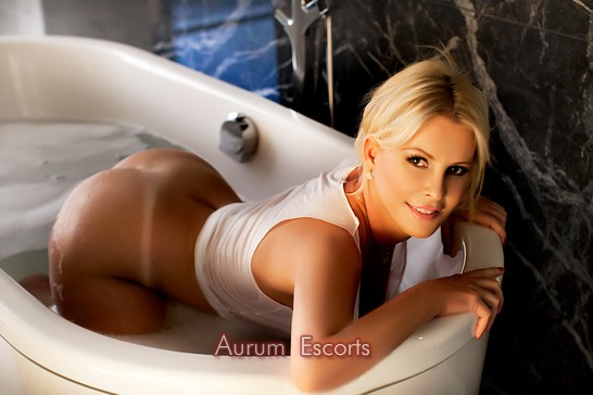 Bella Offers Incall Services At Bayswater